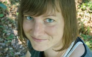 Maja Orehek (ljubiteljica lesa) je iz kock zgradila posel