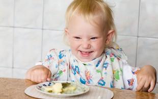 V otroških kašicah pogosto preveč dodanega sladkorja in nepotrebnih aditivov