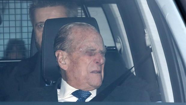Po nesreči in skrbnem premisleku se je princ Philip odločil, da ne bo več vozil avtomobila (foto: profimedia)
