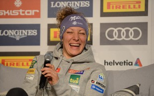 Ilka Štuhec si je prismučala drugi zaporedni naslov svetovne prvakinje v smuku