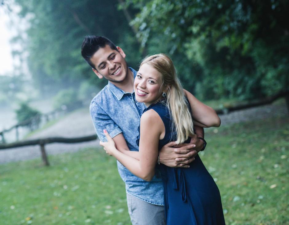 Srečna zaljubljenca  žarita od sreče. (foto: MATJAž OčKO)