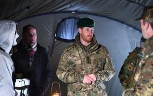 Princ Harry za valentinovo ni bil z Meghan - na vojaški vaji je doživel presenečenje!