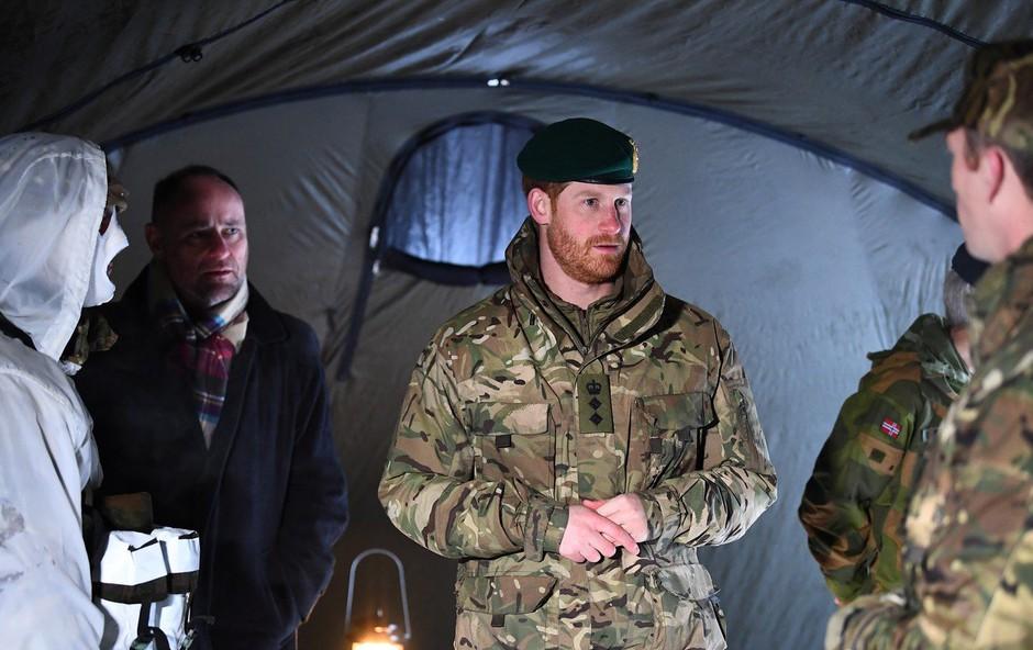 Princ Harry za valentinovo ni bil z Meghan - na vojaški vaji je doživel presenečenje! (foto: Profimedia)