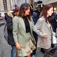 Priyanka Chopra presenetila s trebuščkom. Je res noseča?