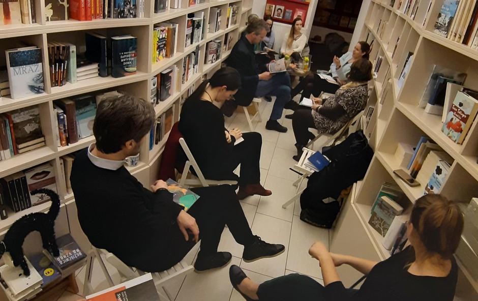 Čajanka knjižnih blogerk in blogerjev v Beletrinini knjigarni (foto: Kreativna baza)