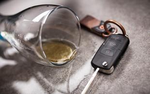 Ironija usode: Pijana voznica se je zaletela v oglas, ki spodbuja k vožnji brez alkohola!