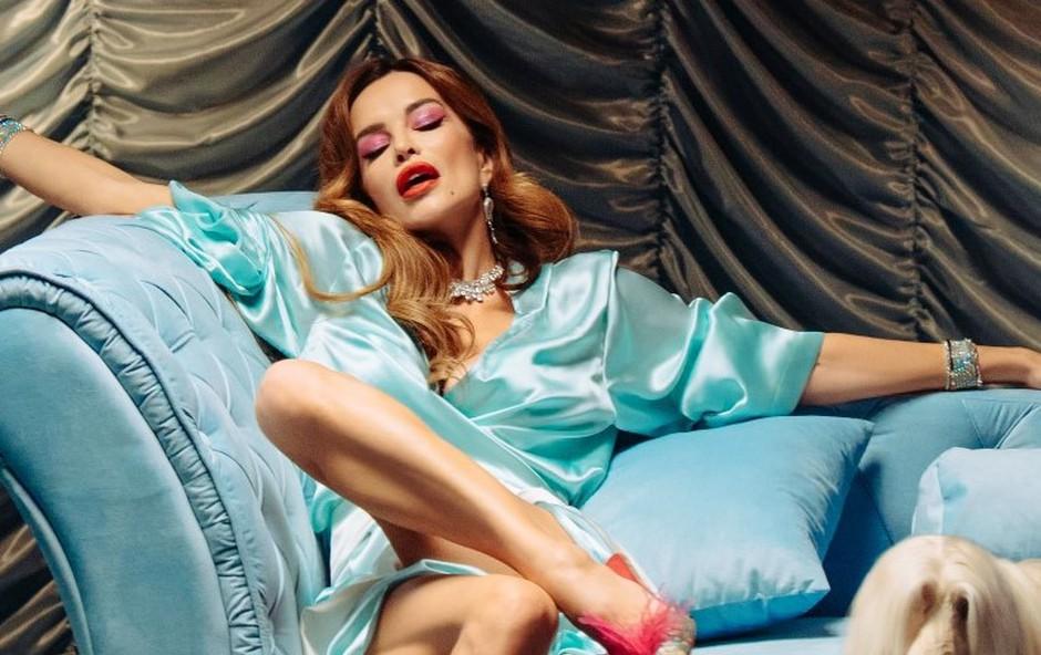 Severina je v tej modni kombinaciji prekosila še samo sebe (foto: Promocijsko gradivo)