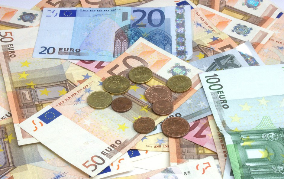Horoskopski znaki, ki jim denar VEDNO polzi iz žepov, preverite, če je med njimi tudi vaš znak! (foto: profimedia)