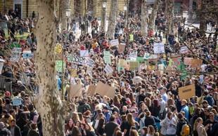 Ljubljana: Mladi na pisanem in glasnem protestu zahtevali podnebno pravičnost!