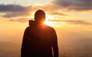 Srečnejši od Boga – mojstrski priročnik za duhovno prebujenje