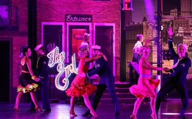 Plesna uspešnica v bleščečem soju Broadwaya