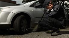 Pod avtomobilom v ljubljanskem Zalogu našli eksplozivno sredstvo