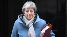 Mayeva vseeno zaprosila EU za preložitev brexita do 30. junija