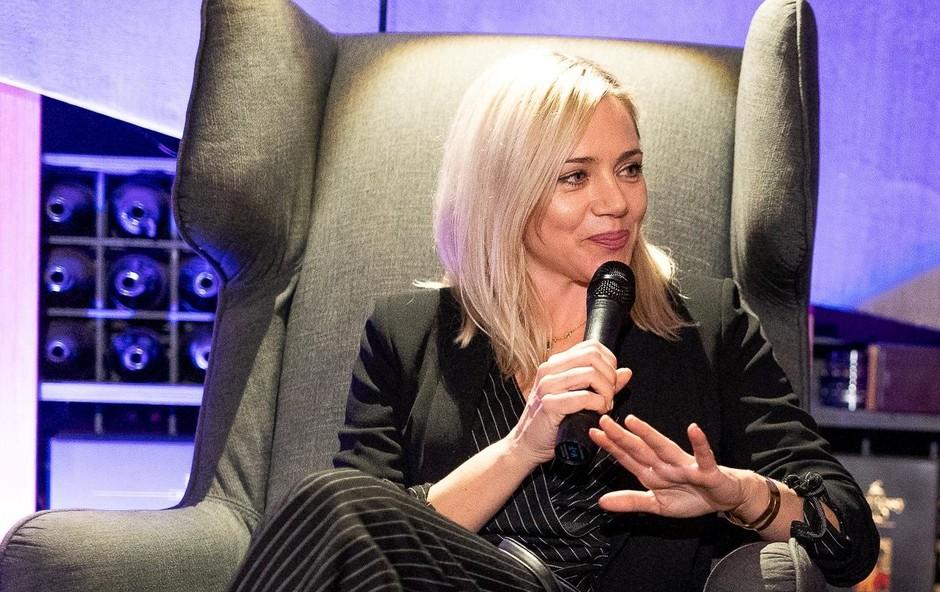 Ena od najuspešnejših in najlepših slovenskih igralk Katarina Čas kljub druženju s svetovnimi filmskimi zvezdniki iz Hollywooda ostaja preprosta z jasnimi cilji in izzivi v svoji razgibani igralski karieri. (foto: Luka Kotnik)