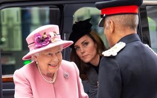 Kraljica Elizabeta ima drugačen odnos do Kate, kot ga ima do Meghan