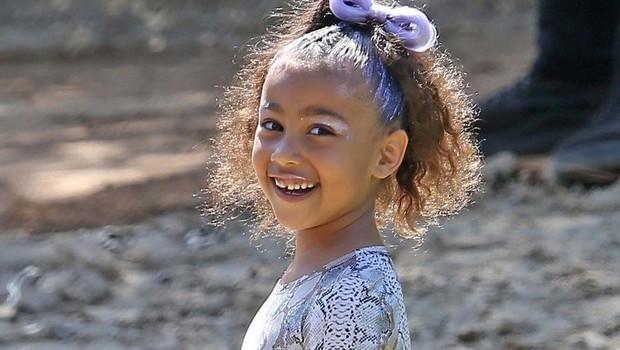Hčerkica Kim in Kanya res ima domišljijo: Lutki svojih staršev je dala v karanteno! (foto: Profimedia)