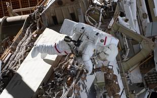 Nasa zaradi težav s skafandri odpovedala prvi povsem ženski vesoljski sprehod
