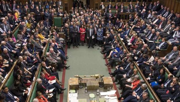 Škotski sodnik je zavrnil začasno prepoved prekinitve dela britanskega parlamenta (foto: Xinhua/STA)