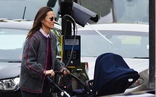 Paparaci ujeli sestro vojvodinje Kate, Pippo, na sprehodu s sinčkom Arthurjem