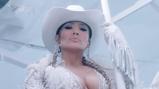 Jennifer Lopez z izzivalno sliko spet dokazala, da letom še kako kljubuje! (foto: Profimedia)