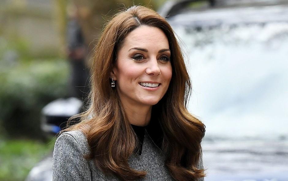 Ameriški mediji trdijo, da je princ William varal Kate Middleton v času nosečnosti (foto: Profimedia)