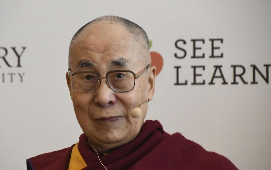 Dalajlamo zaradi pljučnice sprejeli v bolnišnico v New Delhiju (foto: profimedia)