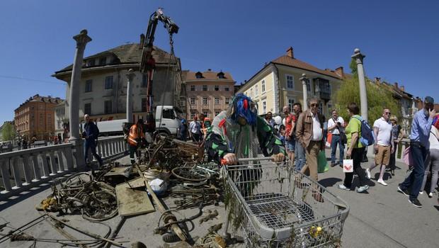 Ob dnevu Zemlje že 28. ekološka akcija LJUBLJANICA 2019 (foto: Društvo za podvodne aktivnosti Vivera in Slovenska potapljaška zveza (SPZ))
