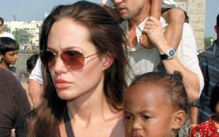 Angelina Jolie že dve leti mati samohranilka