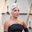 Pa kaj se dogaja z Lady Gaga? Oboževalce preseneča njena kilaža!