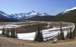 Ogrožena življenja treh znanih alpinistov v kanadskih gorah