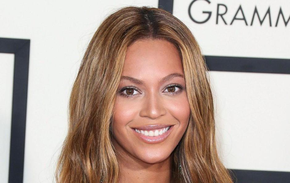 Takšen je v resnici trebušček slavne pevke Beyonce (foto: Profimedia)