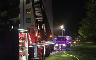 Burna noč v Novih Jaršah: Zaradi požara evakuirali 93 ljudi, dve stanovanji uničeni