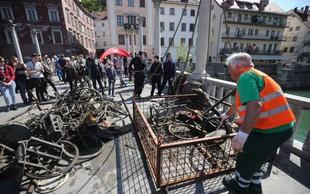 V Ljubljanici je po zaslugi potapljačev za tono manj koles, vozičkov, prometnih znakov ...
