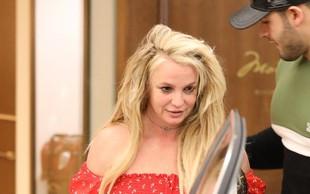 Ojej! Kaj se dogaja z Britney Spears?