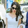 Ikona stila: Amal Clooney je v belem preprosto čudovita!