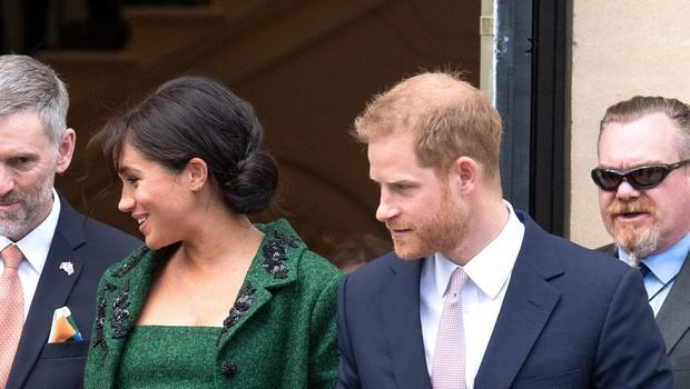 Stave o prvorojenem otroku Meghan in princa Harryja naj bi navrgle pet milijonov funtov (foto: profimedia)