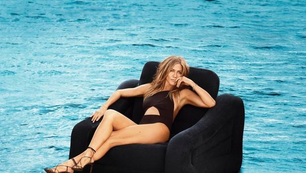 Jennifer Aniston v 50. letu brez modrca na naslovnici revije (foto: Profimedia)
