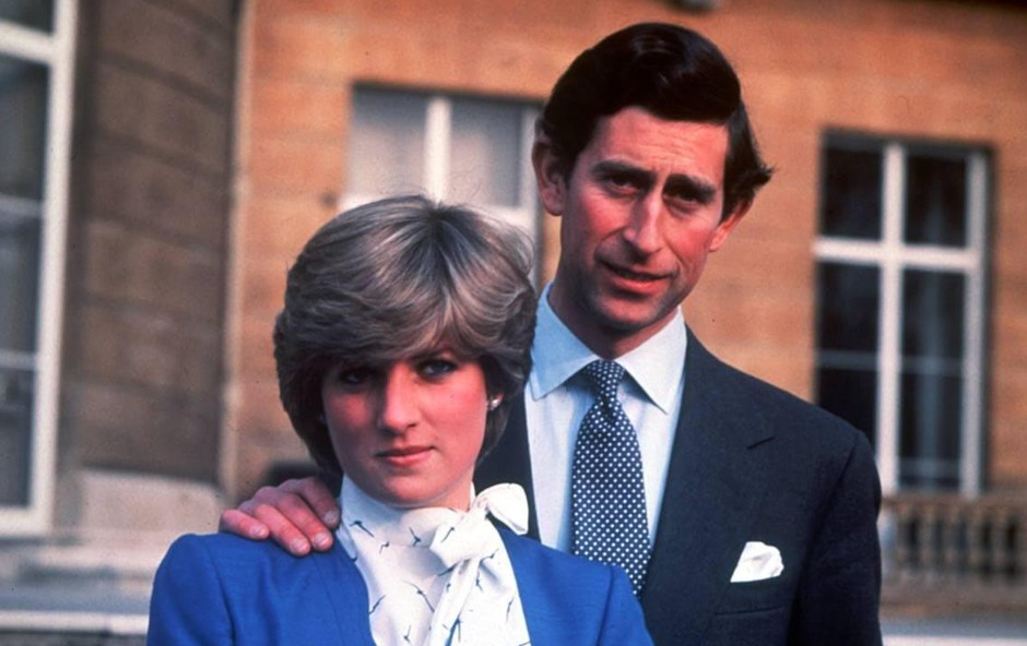 Zaročni prstan, ko sta princ Cahrles in princesa Diana objavila zaroko. (foto: Profimedia Profimedia, Uppa News)
