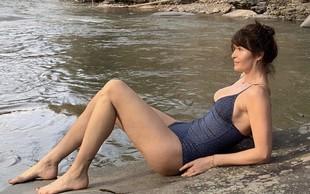 Helena Christensenpri 50 letih na plaži jemlje dih