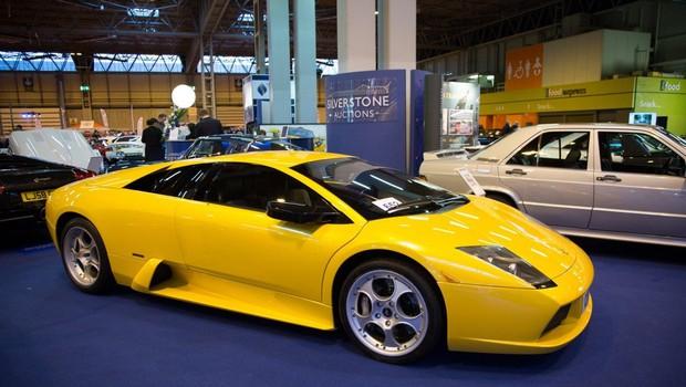 V Mehiki dražba luksuznih avtov, ki so jih zasegli kriminalcem (foto: Profimedia)