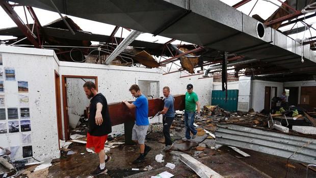 Zaradi tornada v ameriškem mestu Golden City ugasnila tri življenja (foto: profimedia)