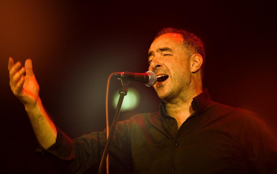 Dražen Zečić spada med najbolj priljubljene izvajalce zabavne glasbe. (foto: Miša Margan)