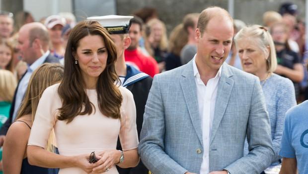 William in Kate zaradi načina potovanja spravila Meghan in Harryja v zadrego (foto: Profimedia)