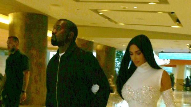 Kim Kardashian kaj takšnega do zdaj še ni oblekla (foto: Profimedia)