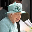 Trik kraljice Elizabete za čiščenje nakita: Ta se blešči zaradi uporabe alkoholne pijače!