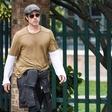 Brad Pitt pri sosedih: Paparaci so ga ujeli v Benetkah!