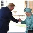 Britanska kraljica Trumpa sprejela v Buckinghamski palači