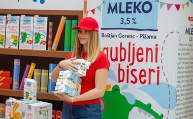 Mlečne pravljice: z izvirno embalažo mleka do izboljšanja bralne kulture v Sloveniji