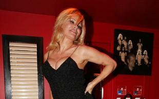 Pamela Anderson pri 51 letih še vedno prava mladenka, ki jemlje dih s svojo postavo