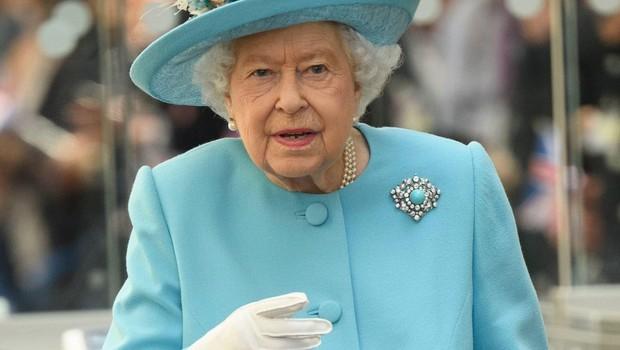 V prisotnosti kraljice je treba zelo pazljivo izbirati besede.<br /> (foto: Profimedia Profimedia, Temp Rex Features)